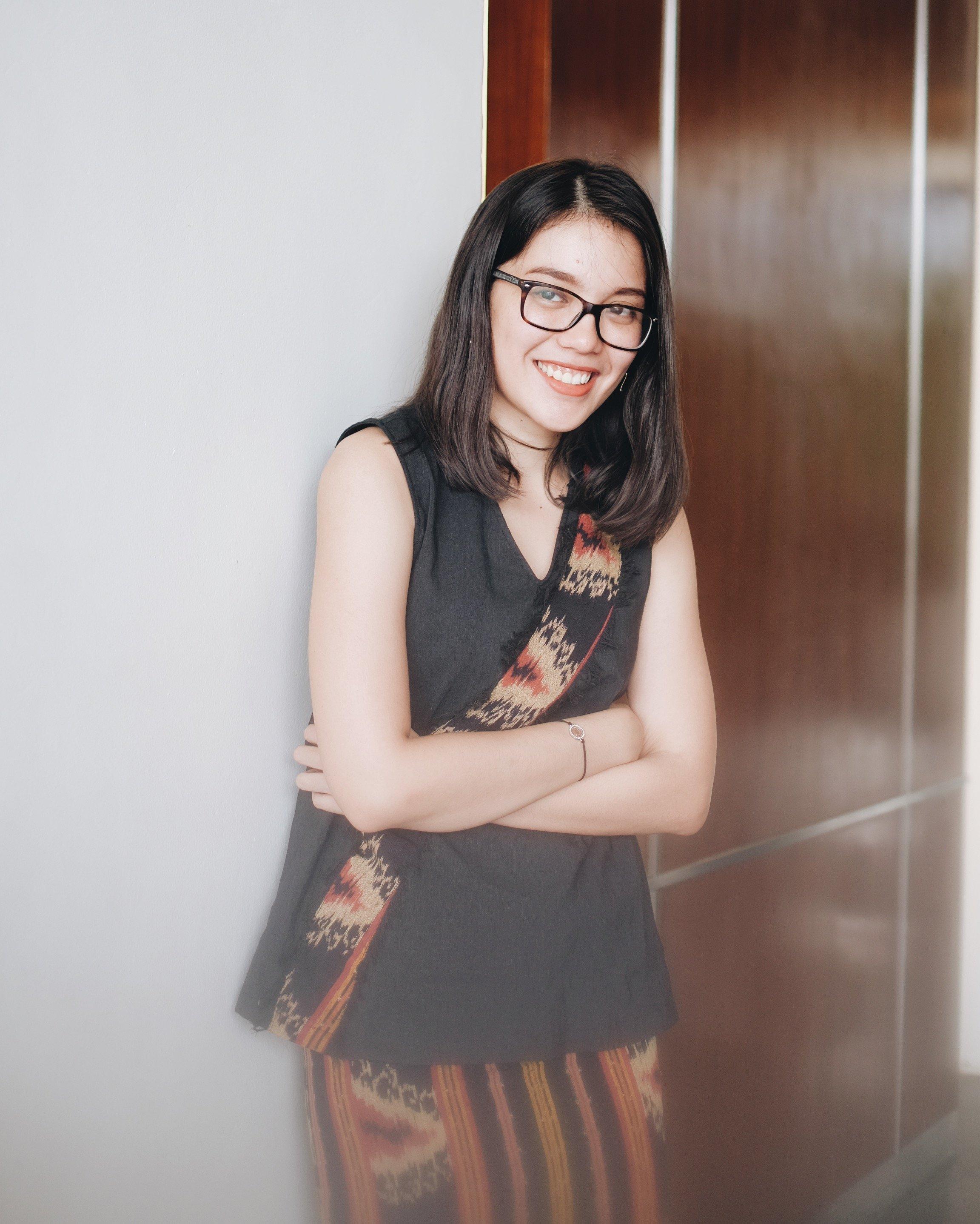 Nadya Julia (Oemah Etnik)